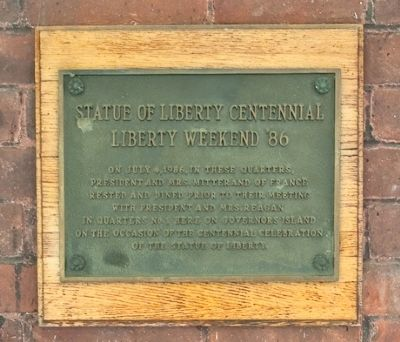 Statue of Liberty Centennial Plaque image. Click for full size.