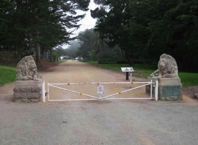 Sutro Heights Park Entrance image. Click for full size.