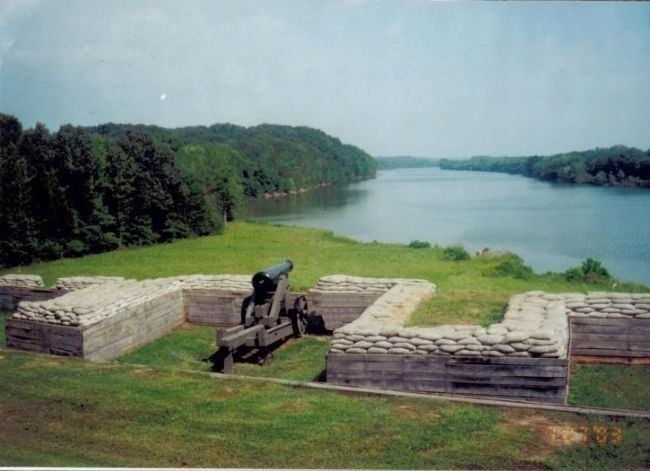 River Batteries in Fort Donelson image. Click for full size.