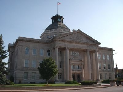 West Side - - Boone County Courthouse image. Click for full size.