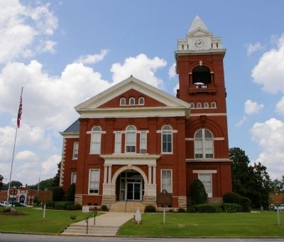 The Butts County Courthouse image. Click for full size.