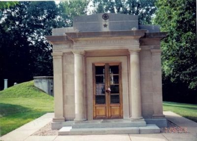 Tomb of Zachary Taylor image. Click for full size.