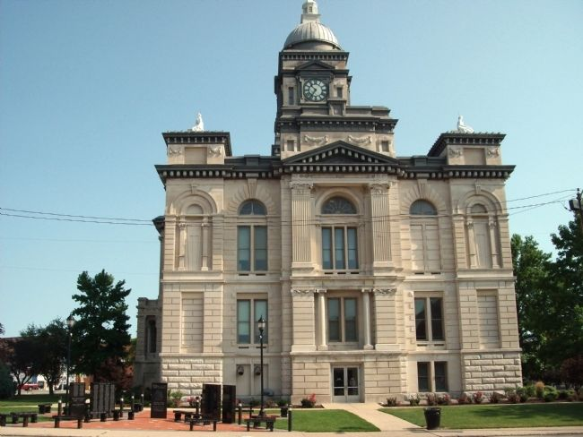 South Side of Clinton County Courthouse and War Memorial image. Click for full size.