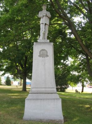 Nearby Civil War Memorial image. Click for full size.