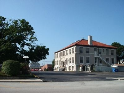 North / East Corner - - Newton County Courthouse image. Click for full size.