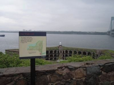 Marker in Fort Wadsworth image. Click for full size.
