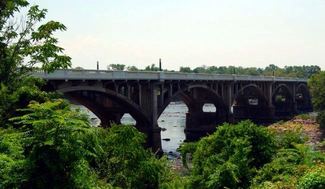 Gervais Street Bridge Crossing the Columbia Canal (Congaree River) image. Click for full size.