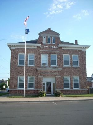 Paola City Hall image. Click for full size.