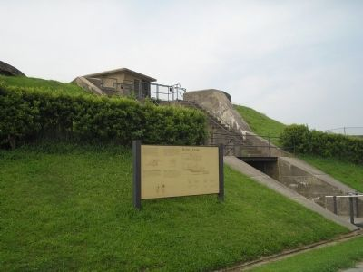 Marker at Fort Mott image. Click for full size.
