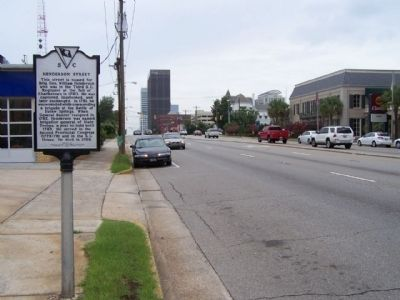 Henderson Street Marker, looking westward along Gervais Street. image. Click for full size.