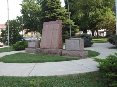 Other View - - All Three War Memorials image. Click for full size.