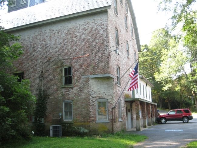 Durham Gristmill - Serves as Durham Post Office image. Click for full size.