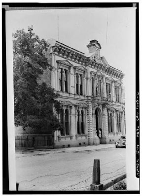 Storey County Courthouse, Virginia City image. Click for more information.