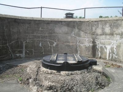 Battery Krayenbuhl Gun Emplacement image. Click for full size.