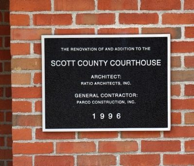 Left Entry Plaque of New Addition to Courthouse image. Click for full size.