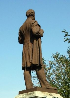 Another View - - Statue of William Hayden English image. Click for full size.