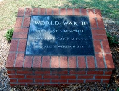 World War II Monument and Memorial Dedication Plaque image. Click for full size.