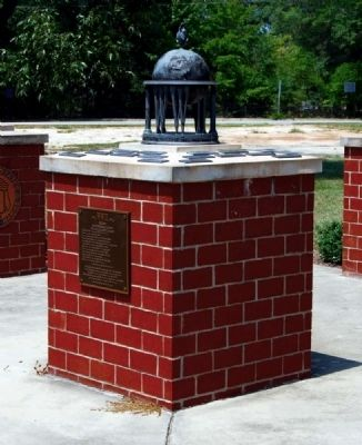 World War II Monument and Memorial image. Click for full size.
