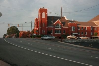 Gunter Avenue and Guntersville First UMC image. Click for full size.