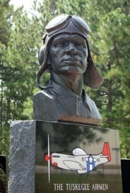 The Tuskegee Airman Monument image. Click for full size.