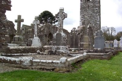 Slane Abbey and Cemetery image. Click for full size.