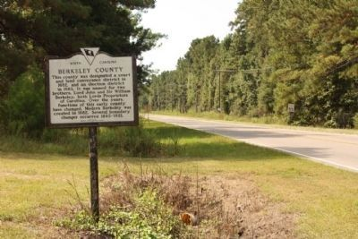 Berkeley County Marker, looking south along Old Gilliard Road (State Road 27) image. Click for full size.
