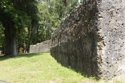 Fort Dorchester ruins, as seen today image. Click for full size.
