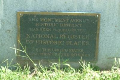 Monument Avenue Historic District /National Register of Historic Places marker, image. Click for full size.
