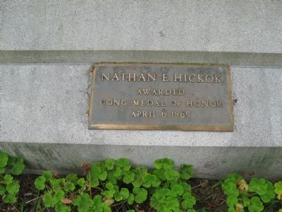 Small Bronze Plaque on the Back of the Monument image. Click for full size.