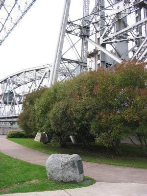 Markers & Aerial Lift Bridge at Canal image. Click for full size.