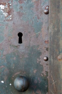 Close-up of Front Door Lock image. Click for full size.