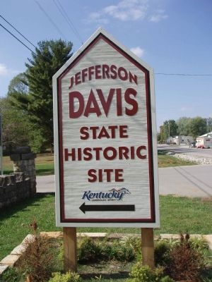 Sign at the entrance to the Jefferson Davis Historic Site. image. Click for full size.