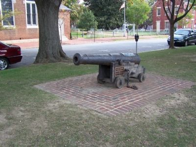 Revolutionary War Cannon image. Click for full size.