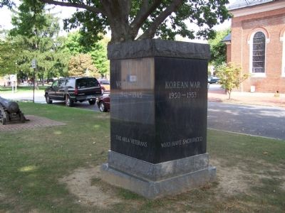 War Memorial Monument image. Click for full size.