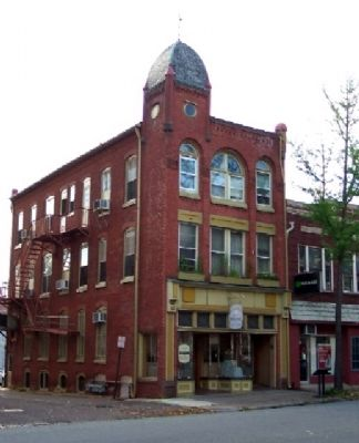 The Pottstown News Building and Marker image. Click for full size.