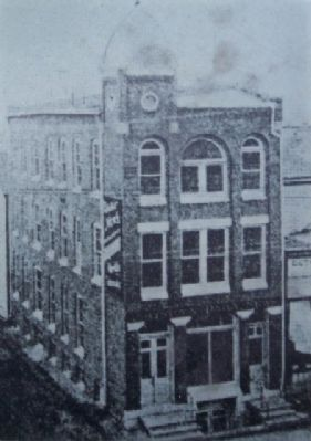 Period Photo of The News Building on Marker image. Click for full size.