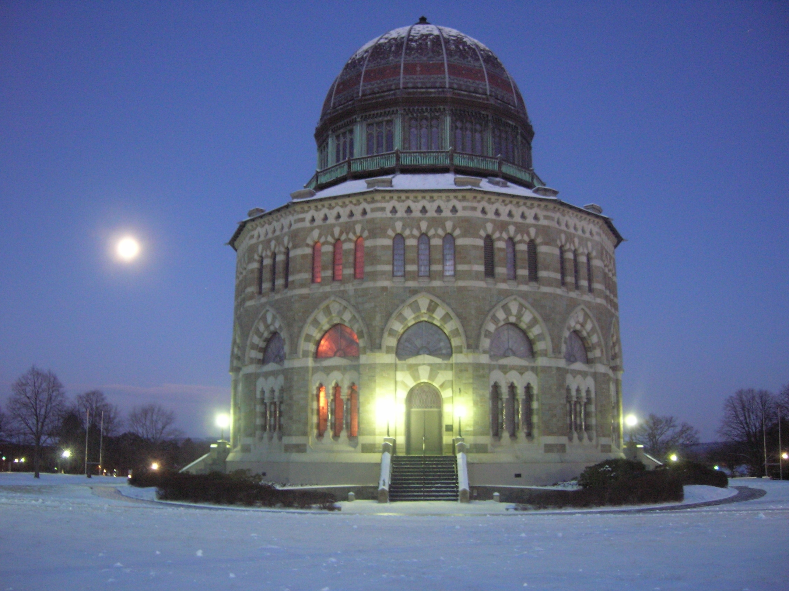 Nott Memorial At Dawn with Moon