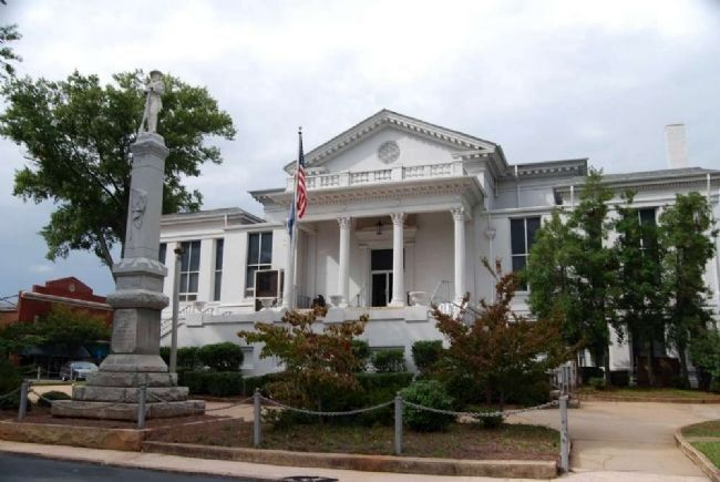 Laurens County Confederate Monument and Courthouse image. Click for full size.