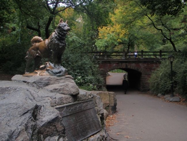 Balto Monument image. Click for full size.