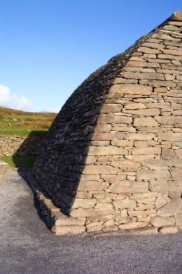 Side View of Gallarus Oratory image. Click for full size.