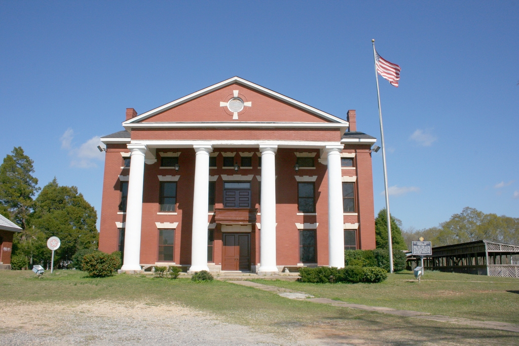 Old Russell County Courthouse and Marker