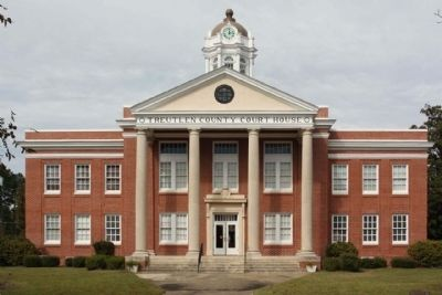 Treutlen County Courthouse image. Click for full size.
