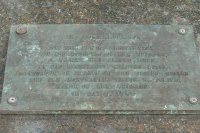 Bienville Place, commemorative marker on the south side of the statue. image. Click for full size.