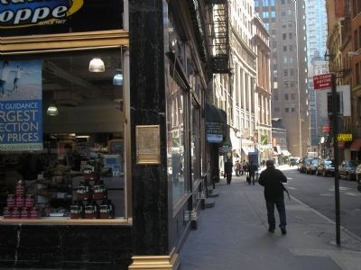 Marker on Broadway and Maiden Lane image. Click for full size.