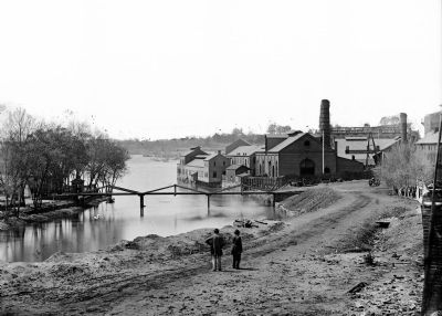 Tredegar Iron Works, with footbridge to Neilson's Island image. Click for full size.