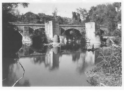 9 Mile Creek Aqueduct - 1974 image. Click for full size.
