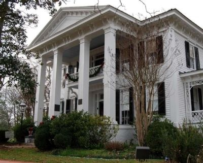 Burt-Stark House (pre-1850)<br>306 North Main Street image. Click for more information.