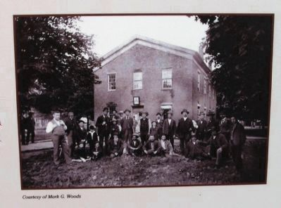 Close-up Photo - 1850 Clinton (Second) Courthouse & Gathered - Citizens image. Click for full size.