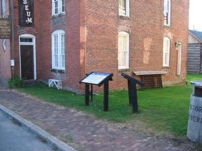 Markers next to the County Museum image. Click for full size.