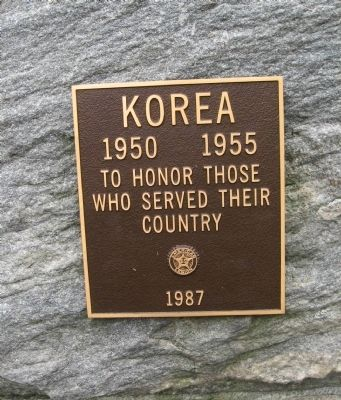 Plaque on the South Face image. Click for full size.
